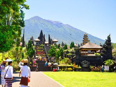 Visite du temple mère Besakih et du village de Tenganan