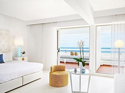 Lux Me Guestroom Sea View