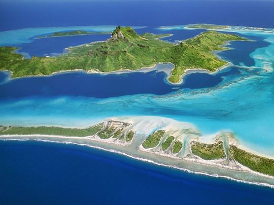 Considérée comme la plus belle île au monde, Bora Bora fait partie de ces destinations de rêve qui vous marquent à vie par leur beauté
