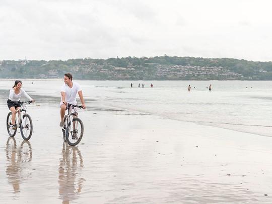 Balade à vélo sur la plage