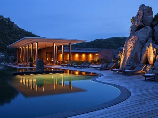 La piscine de l'hôtel de luxe Amanoi au Vietnam
