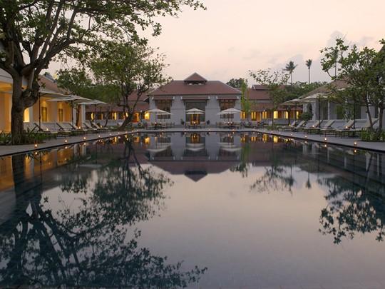 La piscine de l'hôtel Amantaka à Luang Prabang