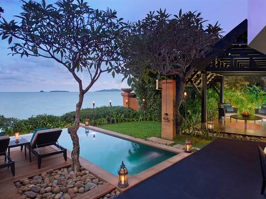 Anantara Beach Front Pool Suite de l'Anantara Bophut Resort à Koh Samui
