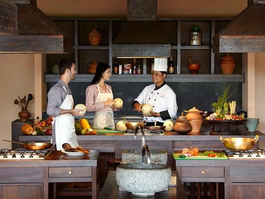 La cuisine thaïe n'aura plus de secret pour vous après un cours de cuisine à l'Anantara