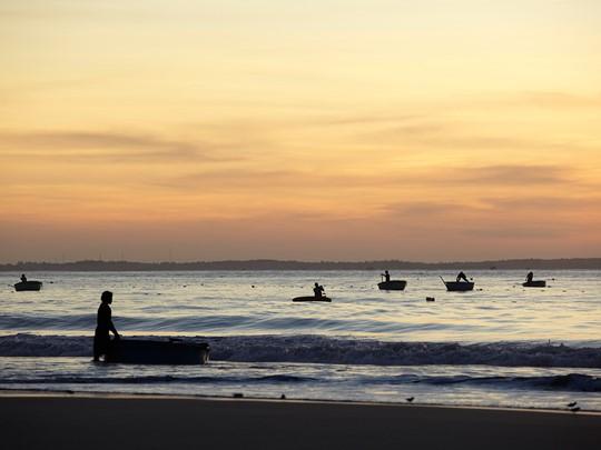 La plage de l'hôtel Anantara Mui Ne au Vietnam