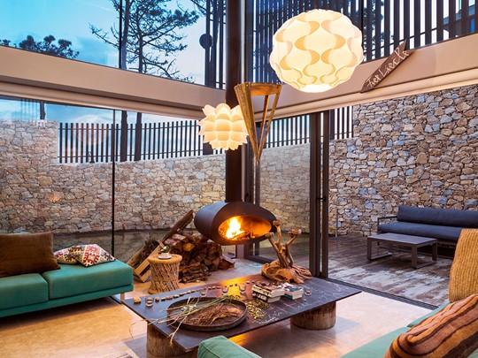 Le salon de la Villa Green de l'hôtel Areias do Seixo