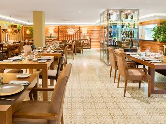 Le restaurant Sua du Bahia del Duque aux Canaries
