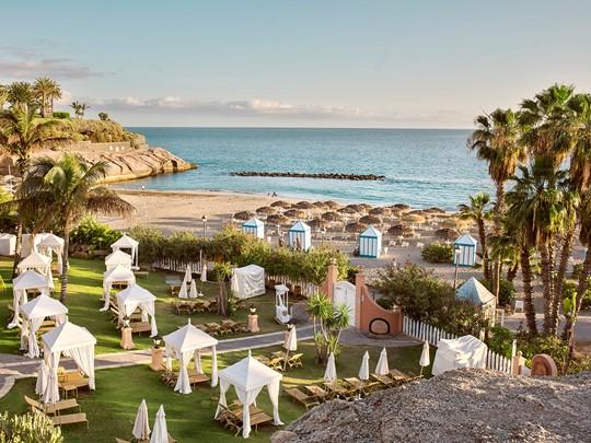 La superbe plage de l'hôtel Bahia Del Duque Resort