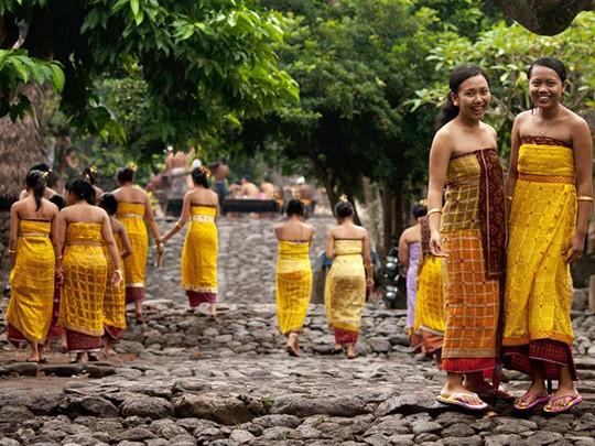 Visite du village animiste de Tenganan, habité par les premiers habitants de l'île, les Bali-Aga
