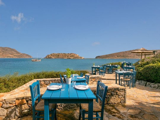 Le restaurant Blue Door du Blue Palace en Crète