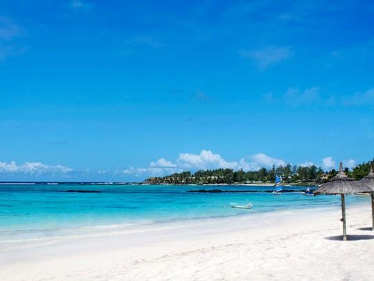 Profitez des eaux cristallines du C Mauritius