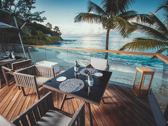 Le restaurant Lorizon face à la mer