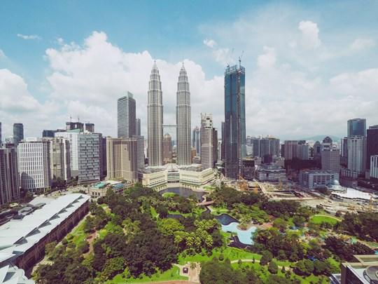 La skyline de Kuala Lumpur, dominée par ses tours jumelles