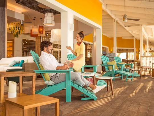 Rafraichissez vous à La Pinta Beach Lounge Bar du Club Med