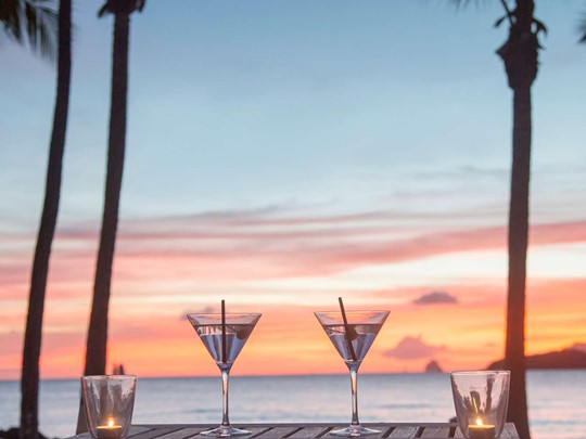 Sirotez des délicieux cocktails au Lô Bar du Club Med