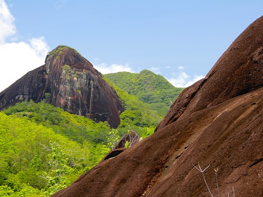 Découvrez les paysages singuliers des Seychelles