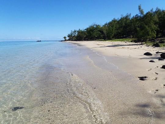 La plage du Bakwa Lodge