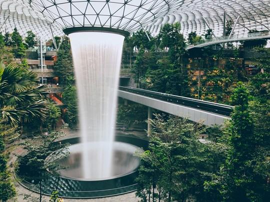 L'impressionnant aéroport de Singapour Changi