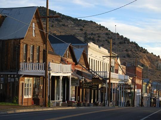 Virginia City que vous pourrez découvrir en trolley ou en calèche