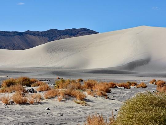 Sand Mountain, une immense dune de sable, longue de 3,2 kilomètres