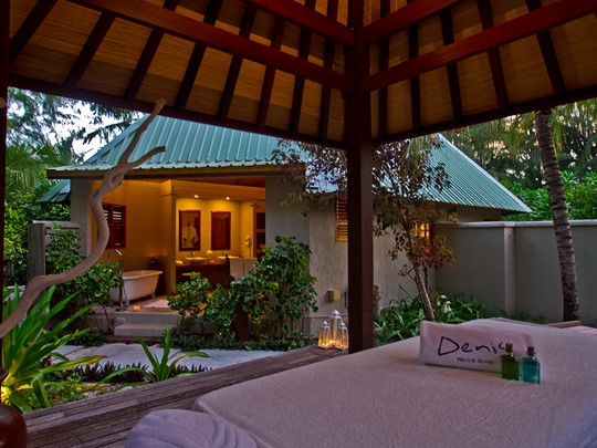 Beachfront Spa Cottage