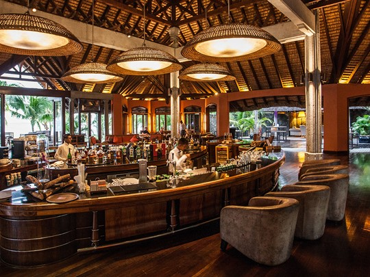 Le Mahogany Bar