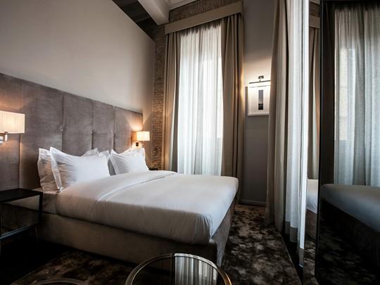 Corner Room du DOM Hotel, en Italie