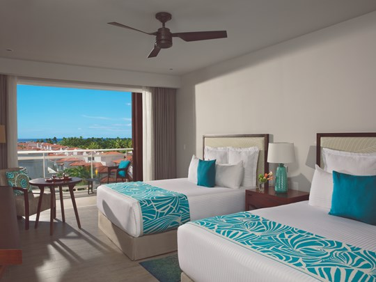 Preferred Club One Bedroom Family Suite Tropical View