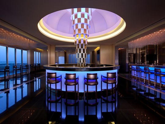Le bar Impression de l'Eastern Mangroves Hotel & Spa