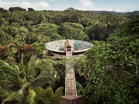 Pour la suite de votre voyage, rendez-vous au Four Seasons Resort Sayan