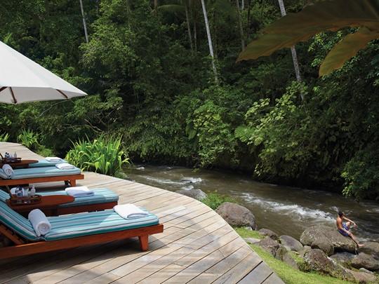 Découvrez les extérieurs surprenants du Four Seasons Resort Sayan