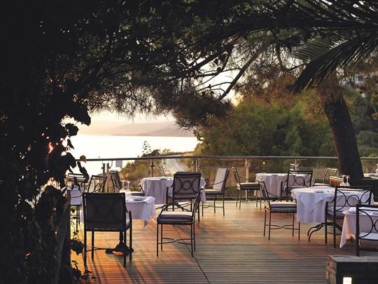 Des plats typiques de la région au restaurant Kamaras de l'Eagles Palace
