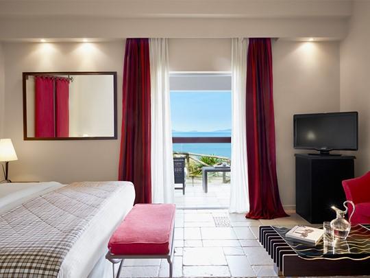 Bungalow with Garden View de l'hôtel Eagles Palace en Halkidiki