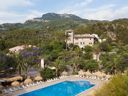 Piscine de l'hôtel Es Port situé sur l'île de Majorque