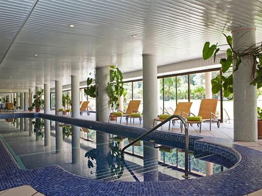 La piscine interne de l'Es Port situé à Majorque