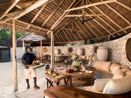 Le lobby du &Beyond Mnemba Island situé large de Zanzibar