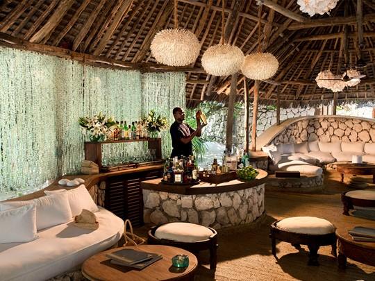 Le bar du &Beyond Mnemba Island en Tanzanie
