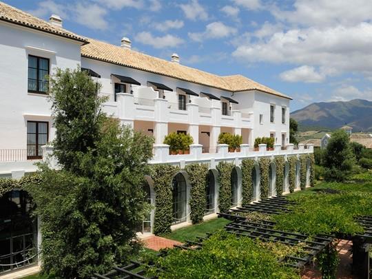 Façade de l'hôtel Finca Cortesin Golf & Spa