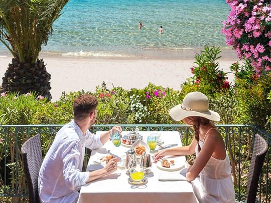 Offrez-vous un petit déjeuner avec une vue imprenable