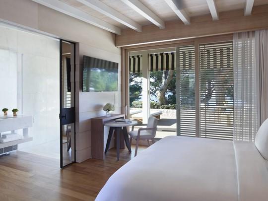 Sea-View Bungalow Suite