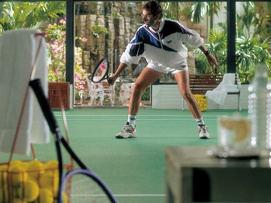 Le court de tennis du Four Seasons à Singapour