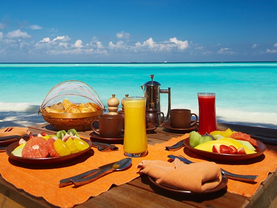Petit-déjeuner face à la mer