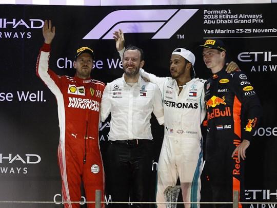 Applaudissez vos pilotes pour la victoire !