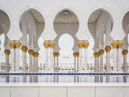 Visitez l'impressionnante mosquée Sheikh Zayed