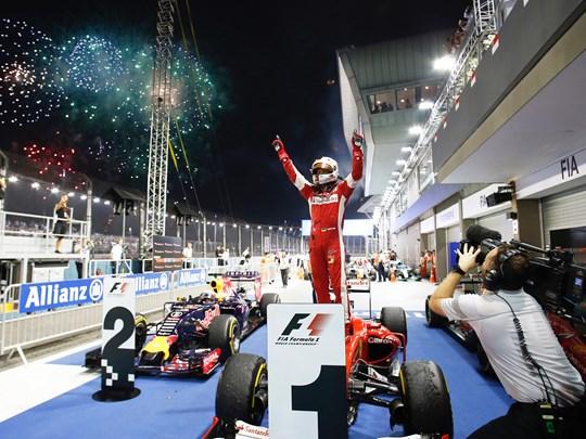 Célébrez avec les pilotes, leur victoire !