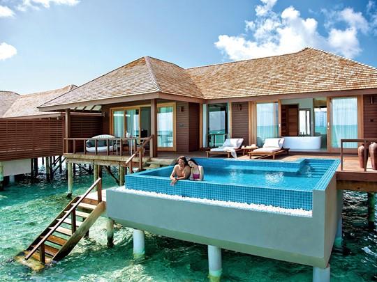 Vue extérieure de la Deluxe Water Villa with Pool