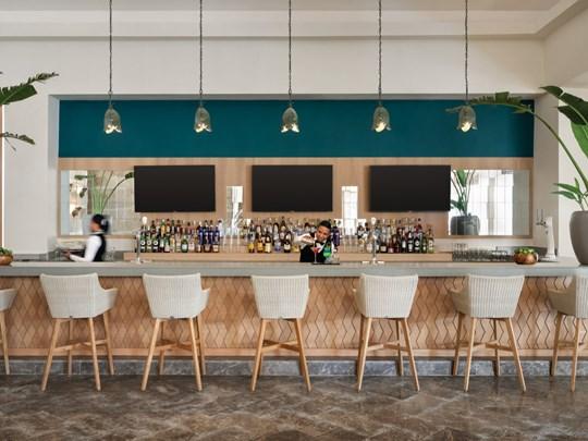 Rafraîchissez-vous au 18° 68° Lobby Bar