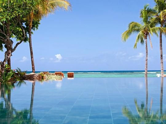 Profitez de la superbe piscine