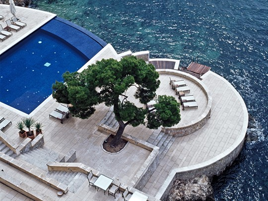 La piscine de l'hôtel Hospes Maricel aux Baléares