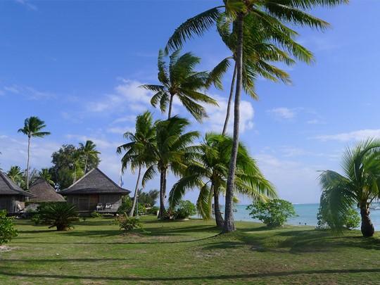 Vue sur la mer depuis l'hôtel Matira en Polynésie